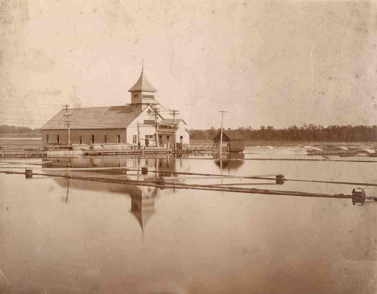 William Jackson Conroy et l'hydroélectricité aux rapides Deschênes